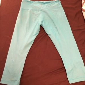 Lulu wunder under size 6 aqua blue crop legging